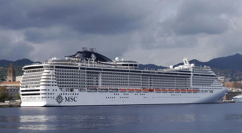 Люксовое судно MSC