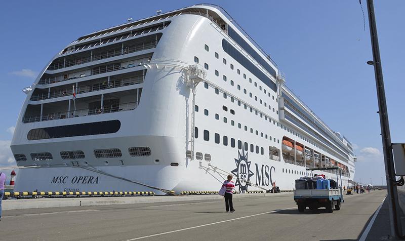 Круизный лайнер MSC Opera